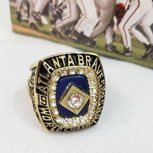 Braves 1995 World Champions Replica Ring Vintage